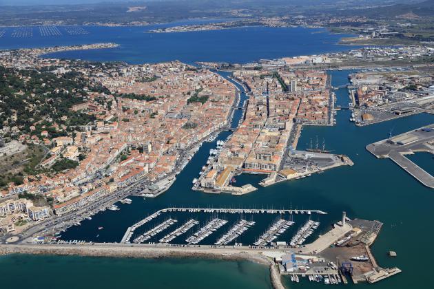 places de port place de port a sec sur sete